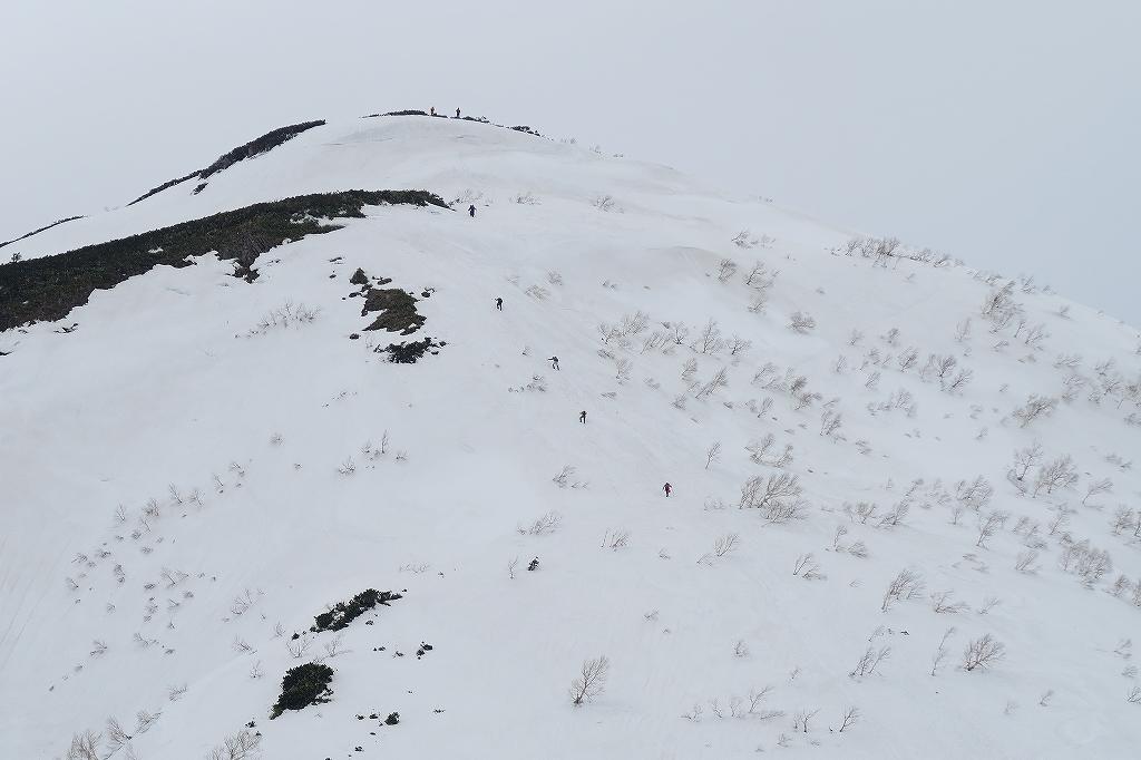 漁岳と北漁岳、4月24日_f0138096_13192786.jpg