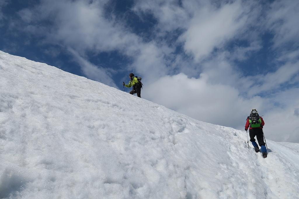 漁岳と北漁岳、4月24日_f0138096_13194485.jpg