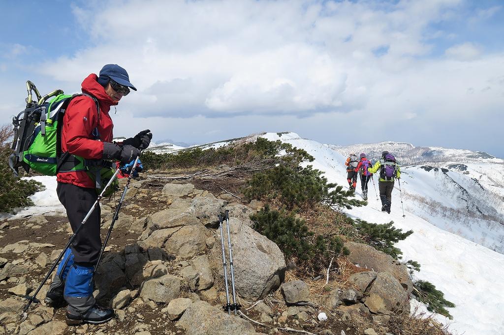 漁岳と北漁岳、4月24日_f0138096_13201541.jpg