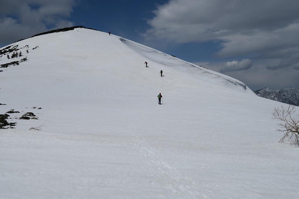 漁岳と北漁岳、4月24日_f0138096_13203132.jpg