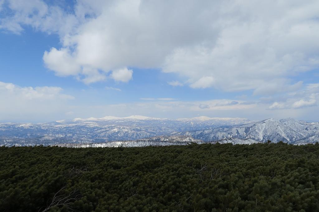 漁岳と北漁岳、4月24日_f0138096_13204628.jpg