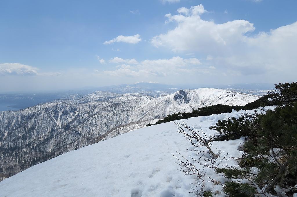 漁岳と北漁岳、4月24日_f0138096_1320720.jpg