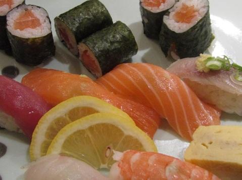 ニースにある「お寿司」 ( Des SUSHIS a Nice ) …… 。_b0287748_3462269.jpg