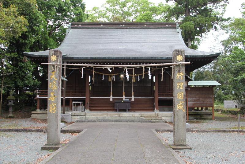 「黒木の大藤」と津江神社の大楠_c0011649_7273448.jpg