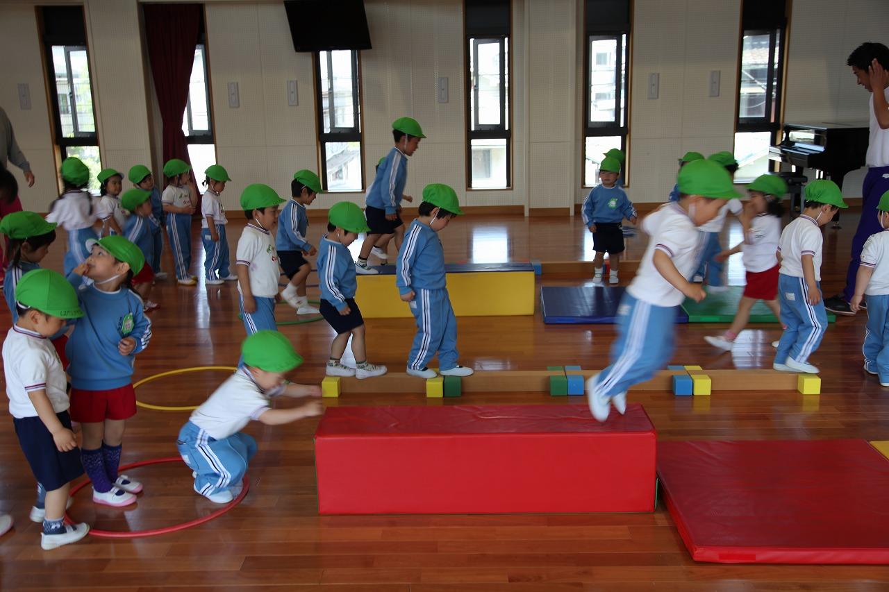 体操(年少・りんご組)_b0277979_15344868.jpg