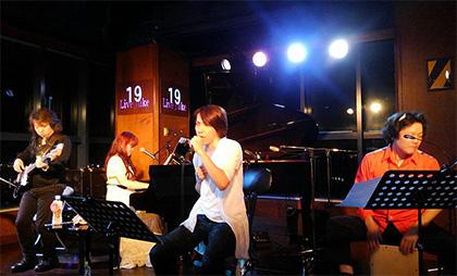 谷本貴義×にかもとりか 弾き語りライブ「message」_e0146373_15294512.jpg