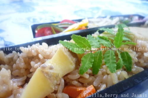 【今日のお弁当】筍ご飯と鮭の南蛮漬け_c0332287_12023305.jpg