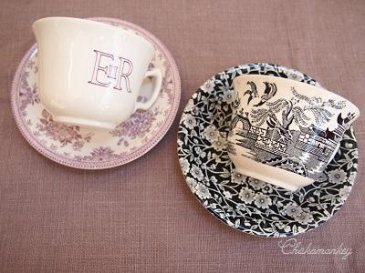 Burleighのエリザベス女王90歳記念マグとカップ&ソーサー_f0238789_1901366.jpg