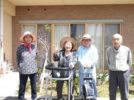 お散歩日和_e0163042_14344134.jpg