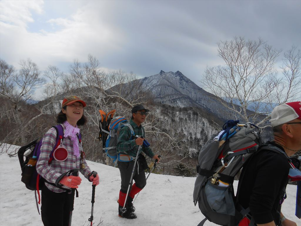 漁岳と北漁岳、4月24日-同行者からの写真-_f0138096_7553161.jpg