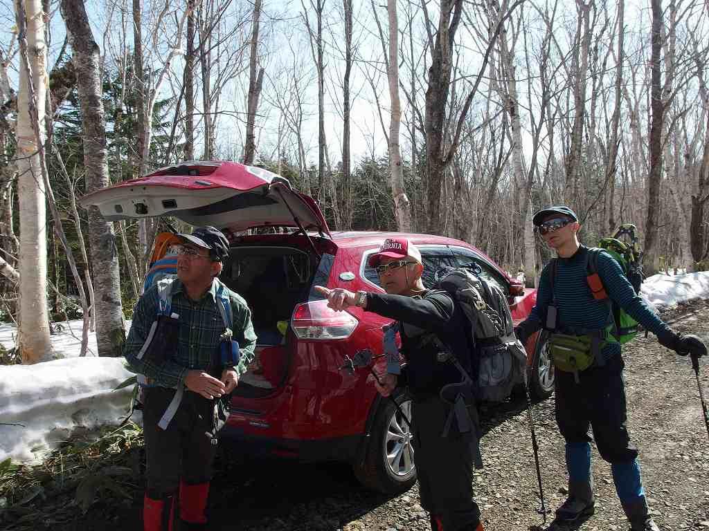 漁岳と北漁岳、4月24日-同行者からの写真-_f0138096_7562080.jpg
