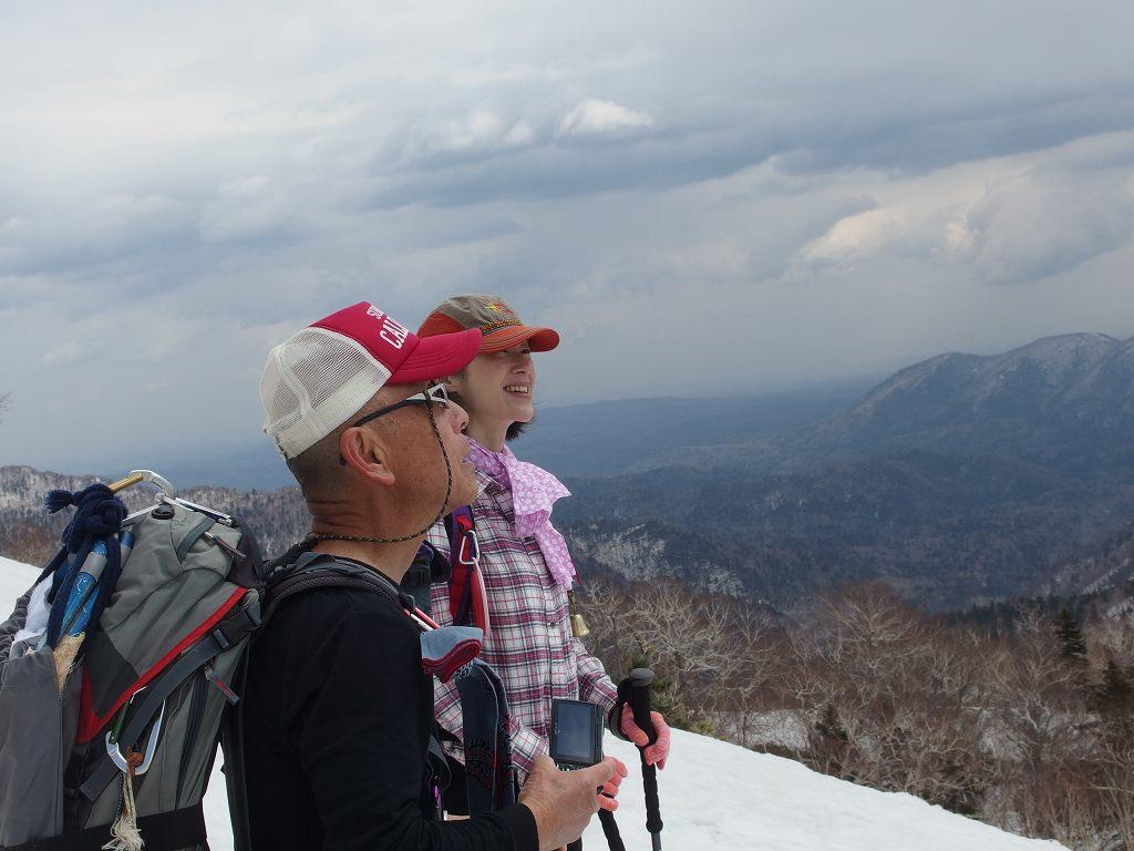 漁岳と北漁岳、4月24日-同行者からの写真-_f0138096_7571798.jpg