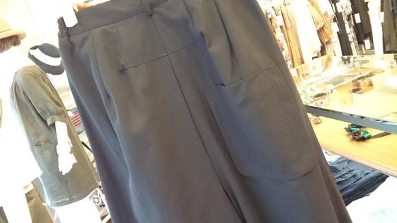 スカートみたいなスカーチヨ_c0113499_13291647.jpg