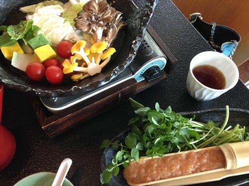 【中軽井沢】村民食堂の『沢のクレソン鍋』_d0035921_17020548.jpg