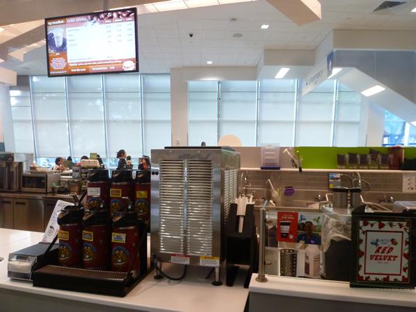 アラモアナにオープンしたWalgreens(ウォルグリーン)_c0152767_21491425.jpg
