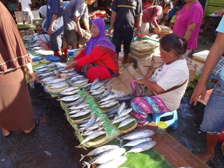 アンボン島(魚市場)_d0083068_121155100.jpg