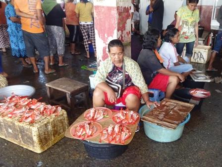 アンボン島(魚市場)_d0083068_12121868.jpg