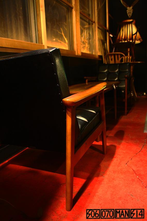 カリモク Kチェア黒2脚とセンターテーブルのセット KARIMOKU 60_e0243096_21195138.jpg