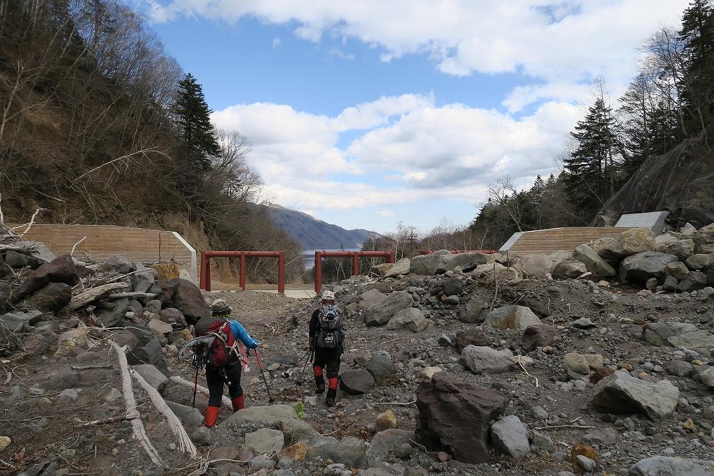 恵庭岳夏道、4月27日-その2-_f0138096_1171472.jpg