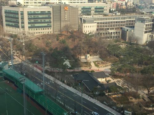 16年3月ソウル 17★東大入口の公園に行ってみた_d0285416_20511142.jpg