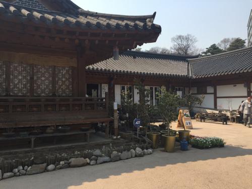 16年3月ソウル 17★東大入口の公園に行ってみた_d0285416_20511270.jpg