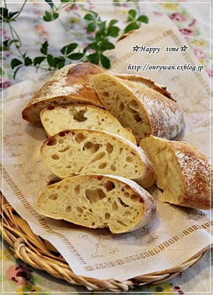 りんご酵母バゲで朝ごパンとすずらん♪_f0348032_18013150.jpg