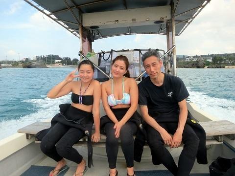 ボートで青の洞窟行ってきました!!_a0156273_19345777.jpg