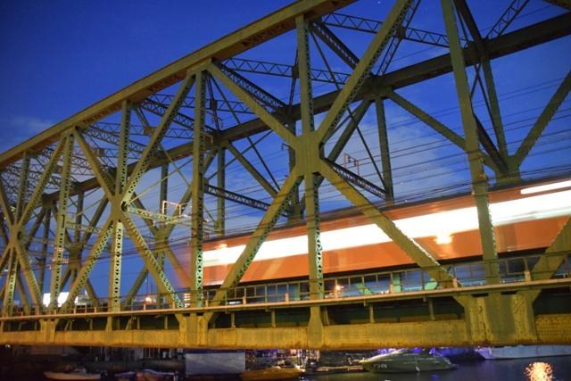 岩崎運河橋梁 : ブルーアワーの...