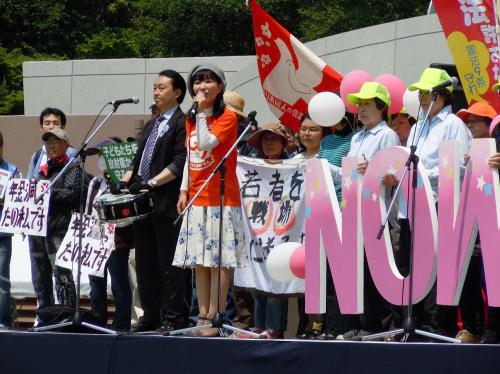 親子連れもたくさん 東京・三多摩メーデー_b0190576_22550432.jpg