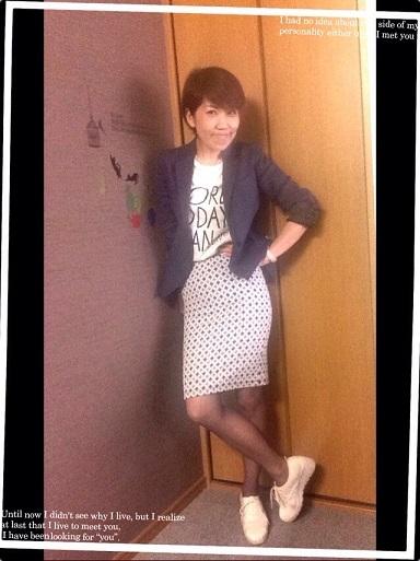 スニーカーはお洒落な女性、必須アイテムです!_f0249610_15005707.jpg