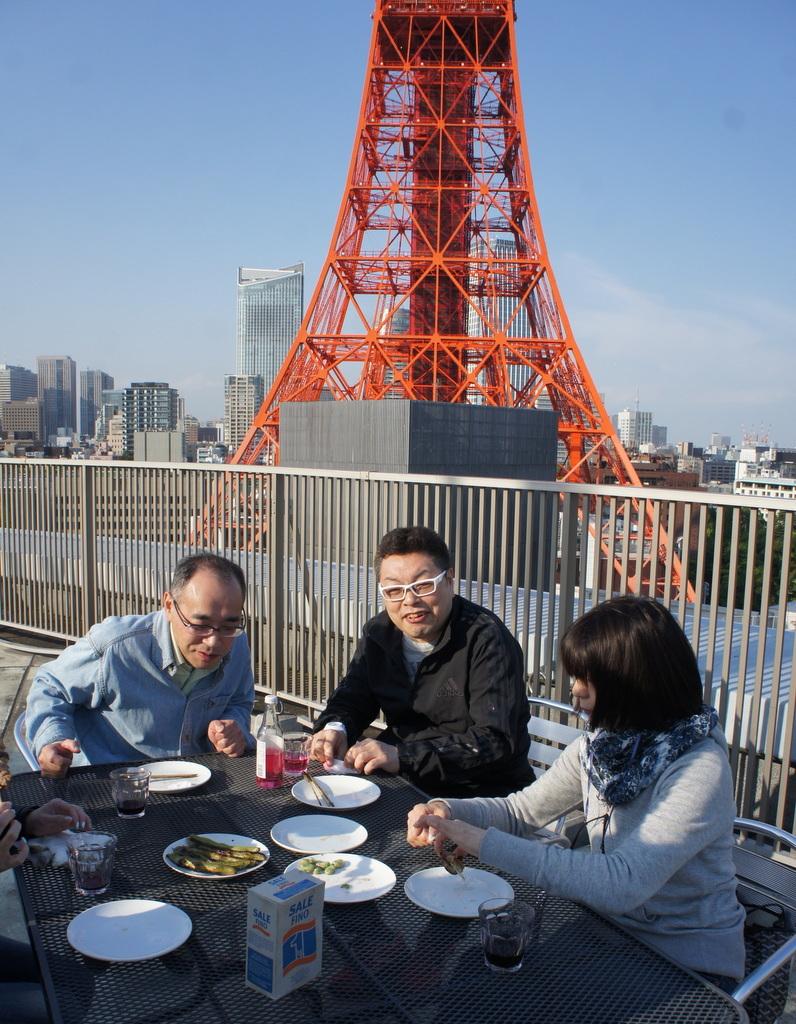 麻布のアパートで東京タワーと炭火焼Vol.1。_c0180686_02453318.jpg