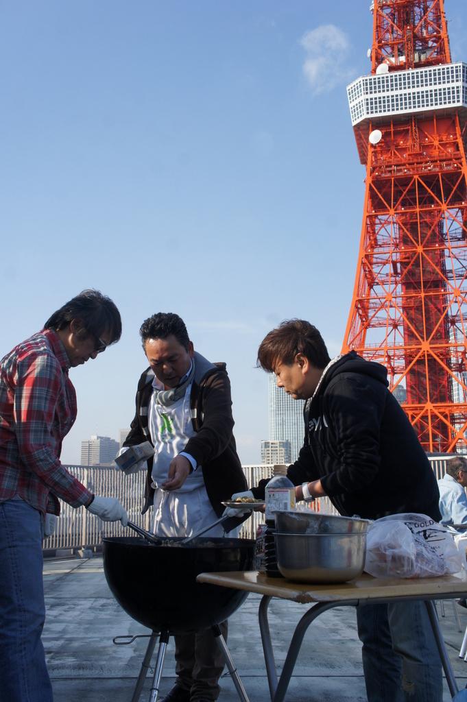 麻布のアパートで東京タワーと炭火焼Vol.1。_c0180686_02455394.jpg