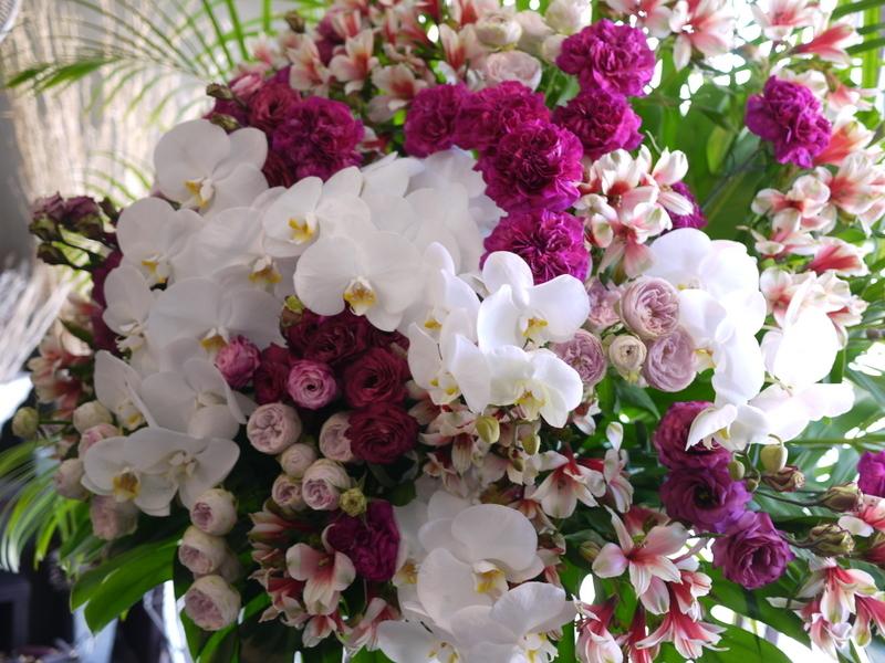 南3西1の成吉思汗のお店のオープンに、スタンド花とアレンジメント。_b0171193_02051504.jpg