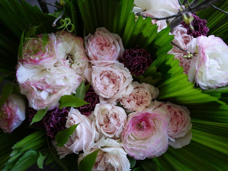 南3西1の成吉思汗のお店のオープンに、スタンド花とアレンジメント。_b0171193_02052944.jpg