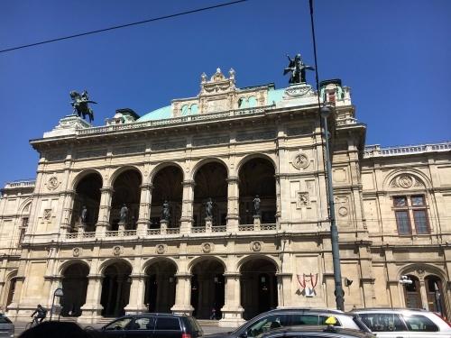 ウィーンに来ています。_a0100706_03081439.jpeg