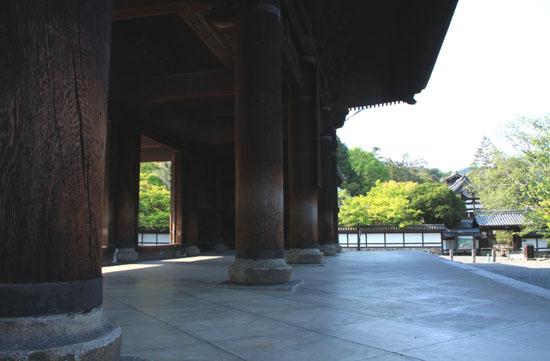 南禅寺も青もみじ_e0048413_21115884.jpg