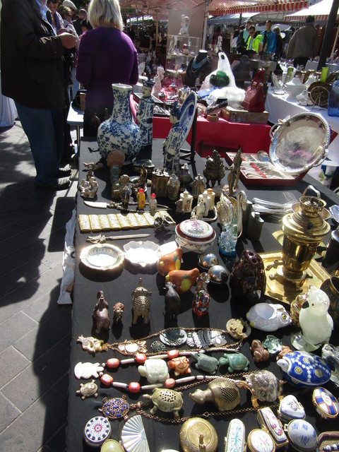 月曜日の骨董市 ( Marche d\'antiquite du lundi ) …… 。_b0287748_20435445.jpg
