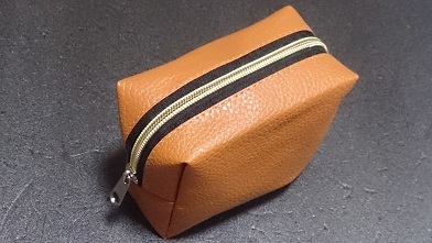 ポーチを買ってみた 『セリア』BOX型ポーチ_c0364960_09564615.jpg