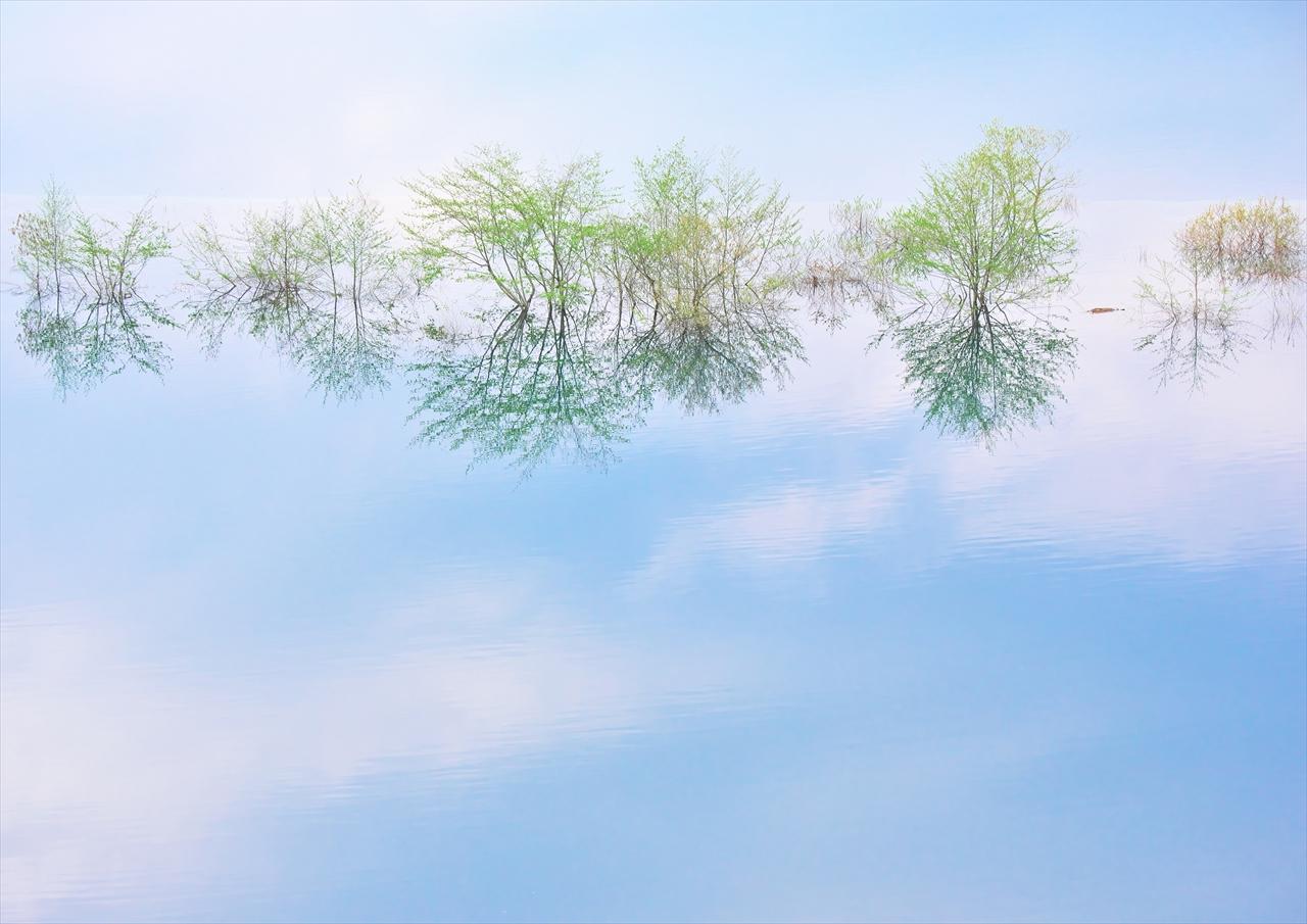 奥四万湖 1_f0018464_15442885.jpg