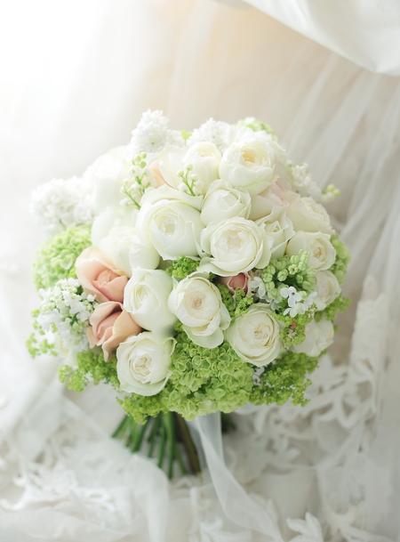 シェアブーケ 5つの小さな花束へ シェ松尾青山サロンさまへ _a0042928_115058.jpg