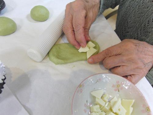 パンレク ~ 新緑のホワイトチョコパン ~_e0222340_15281567.jpg