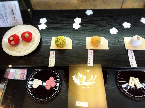 寧楽菓子司  中西与三郎 (六坊庵)_e0292546_08273456.jpg