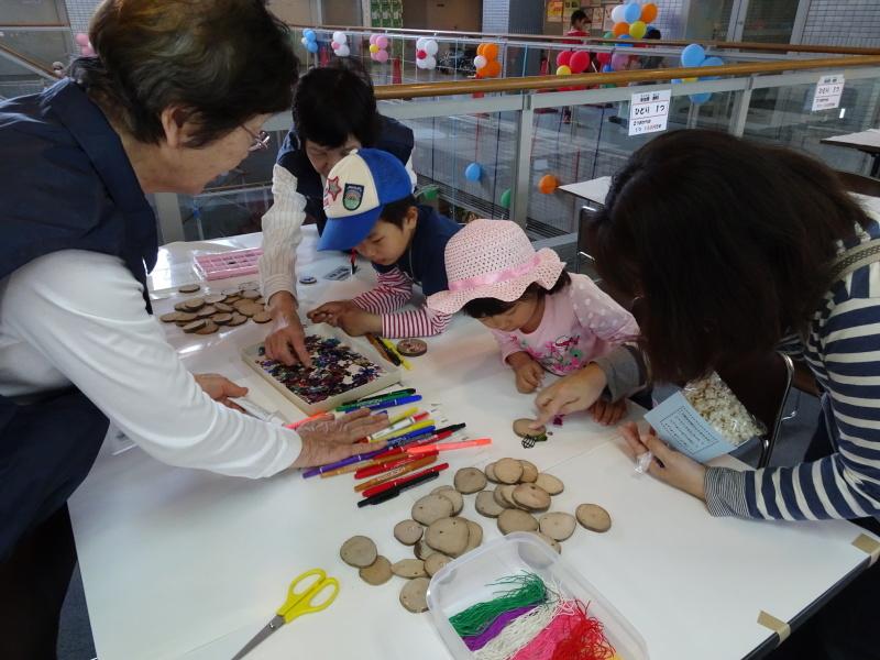 第13回「子どもの日フェスティバル」に出店・・・うみべの森を育てる会_c0108460_22332407.jpg