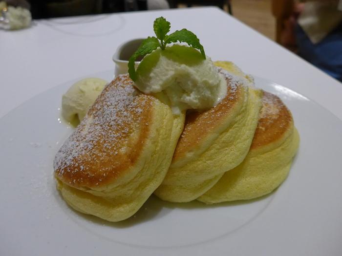 表参道「幸せのパンケーキ」へ行く。_f0232060_18551810.jpg