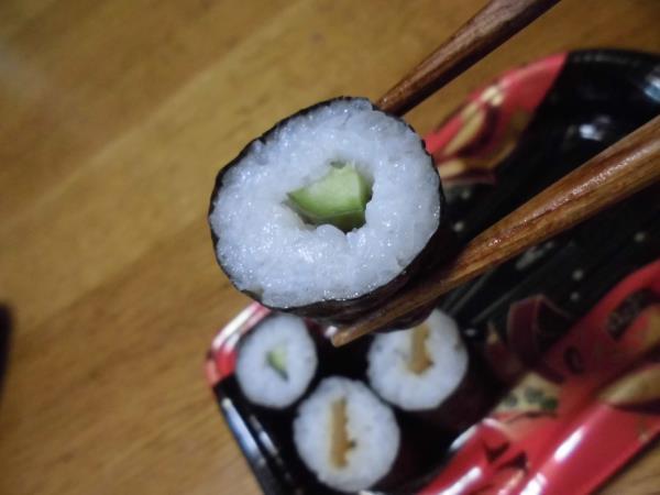 デイリーカナートのミニ寿司セットと冷やし中華_c0118393_17475941.jpg