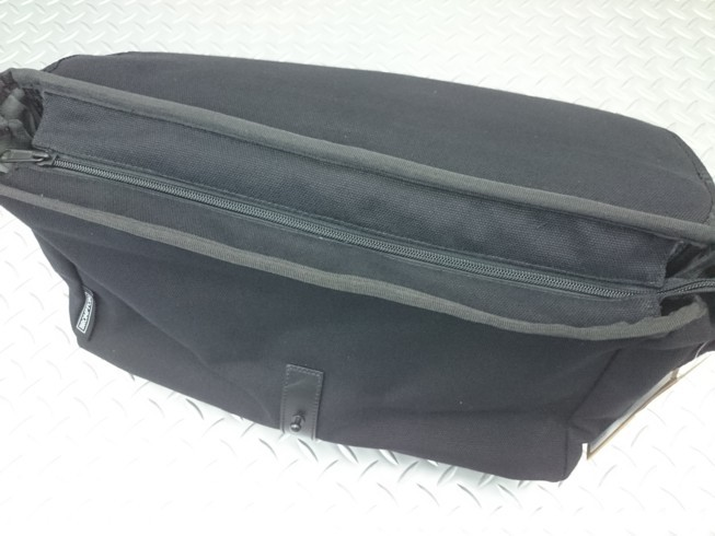 "BROMPTON ""SHOULDER BAG\""_c0359041_18422420.jpg"