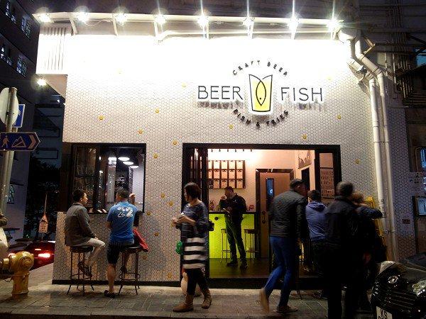 香港クラフトビア・ツアー <その3> HK BREW CRAFT / Beer & Fish / TIPPNG POINT_e0152073_0222668.jpg