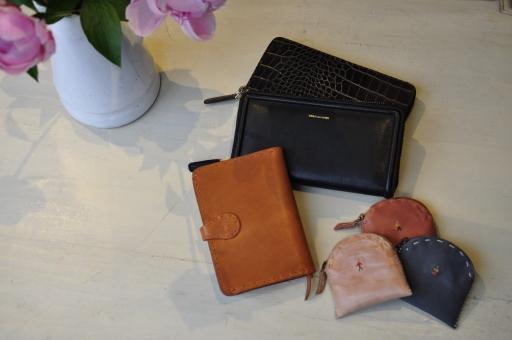 お財布のご紹介_e0127399_1825627.jpg