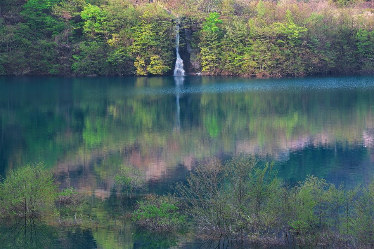 奥四万湖 3_f0018464_18551469.jpg