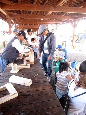 ウッドビレッジ「県産材の杉を使ってベンチを作ろう!」_c0141652_11363863.jpg